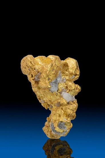 Multi-faceted Long Gold with Quartz Alaska Nugget - 7.40 grams